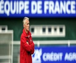 Equipe de France: une défense décimée, Lacazette de retour?